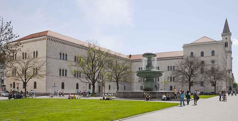 Ludwig-Maximilian-Università-Monaco